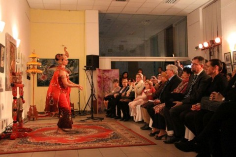 Art Kalamakara, Cerita Keindahan Indonesia di Hongaria