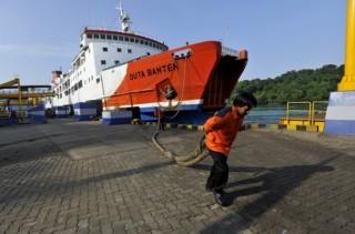 Menhub Pantau Persiapan Tambahan Kapal di Pelabuhan Merak