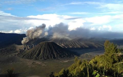 Status Waspada, Wisatawan Dilarang Mendekati Gunung Bromo