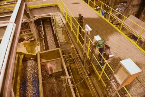 Smelter. ANTARA FOTO/M Agung Rajasa.