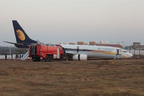 Pesawat di India Tergelincir, 15 Orang Luka-luka