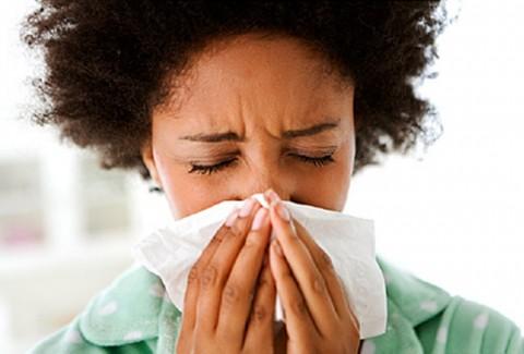 Ini Perbedaan Flu dengan Pilek Biasa