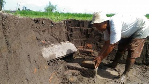 Bangunan Kuno Ditemukan tak Sengaja oleh Tukang Batu