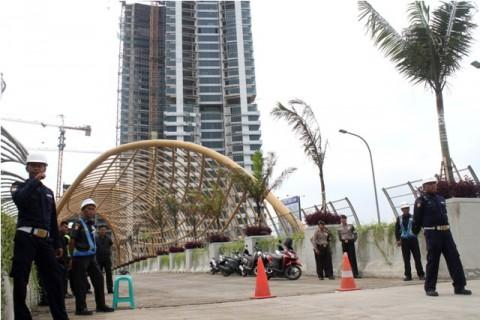 Korban Tangga Runtuh Apartemen Lagoon Ditemukan Meninggal