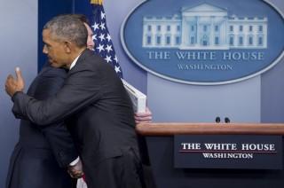Berkemas Sambil Menangis, Para Staf Tinggalkan Gedung Putih