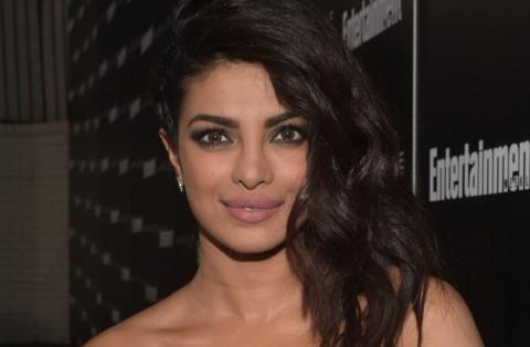 Penyebab Priyanka Chopra Gegar Otak saat Syuting