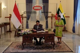Indonesia Laboratorium Bagi Myanmar untuk Belajar Keterbukaan