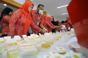 Guru dan Tenaga Pengajar di Blitar Jalani Tes Urine