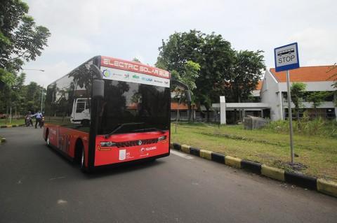 ITS Luncurkan Bus Kampus Bertenaga Listrik dan Surya
