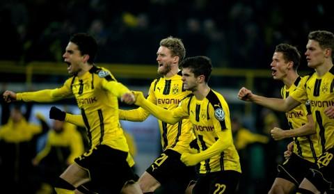 Dortmund Singkirkan Berlin lewat Adu Penalti