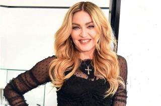 Madonna Adopsi Anak Kembar dari Malawi
