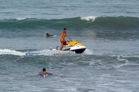 Wisatawan Korea Terseret Ombak Pantai Kuta