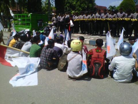 2 Nelayan Sumenep Hilang, Pemuda Demo DPRD