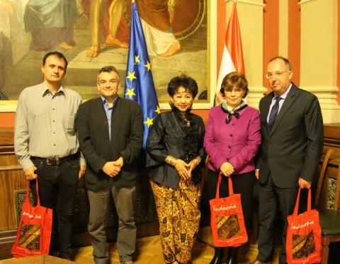 Universitas di Hongaria Buka Kelas Bahasa Indonesia