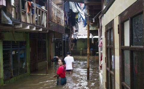Djarot Optimis Penataan Bantaran Bisa Atasi Banjir Kampung Arus