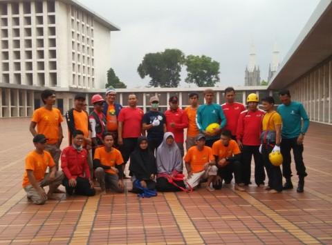 Datang dari Bandung untuk Bersih-bersih Istiqlal