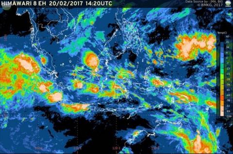Curah Hujan Tinggi, Waspadai Bencana Hidrometeorologi