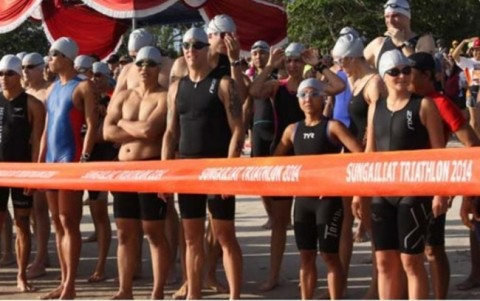 Sungailiat Triathlon 2017 Diikuti 19 Negara
