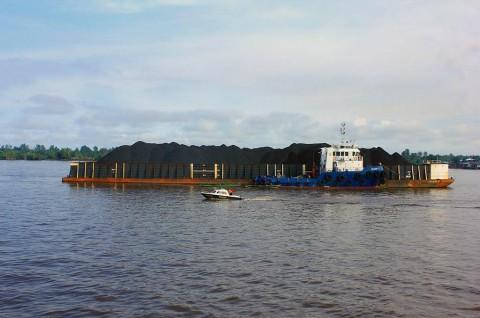 Debit Air Sungai Barito Naik, Tongkang Dilarang Berlayar