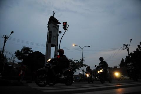 Daerah Pinggiran Kota Depok Gelap Gulita