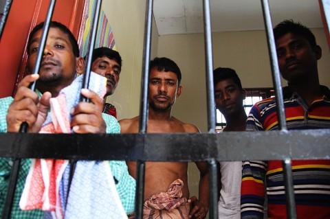TNI AL Dumai Amankan 9 Warga Bangladesh