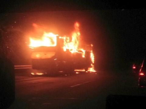 Bus Arimbi Terbakar di KM 30 Tol Cikupa