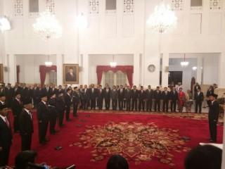 Presiden Lantik 17 Dubes