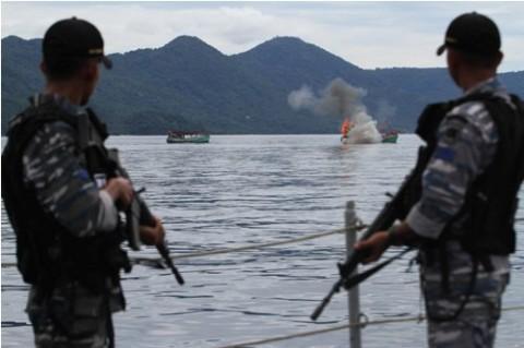 KKP Tangkap Kapal Ikan Ilegal Berbendera Vietnam & Filipina