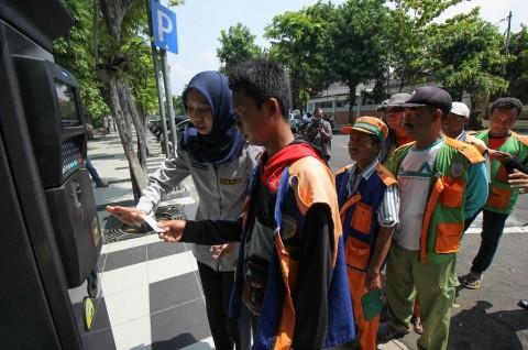 Pendapatan Parkir di Surabaya Capai Rp100 Juta Per Hari