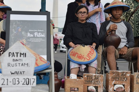 Aksi Cor Kaki Tetap Berlanjut di Depan Istana