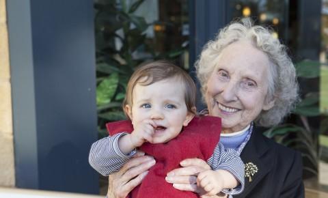 Studi: Nenek Lebih Peka pada Gejala Autisme
