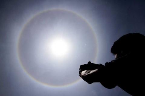 Fenomena Halo Matahari Terlihat di Langit Lhokseumawe