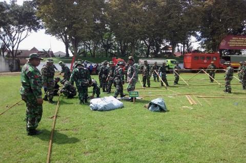 TNI dan Relawan Latihan Bersama Siaga Bencana