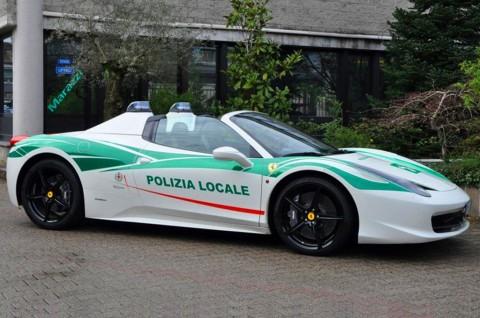 Ferrari Bekas Mafia Italia ini, Disulap jadi Mobil Polisi