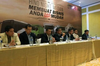 Hino Night Sambangi Medan, Red Carpet-nya Pengguna 'Truk Ijo'