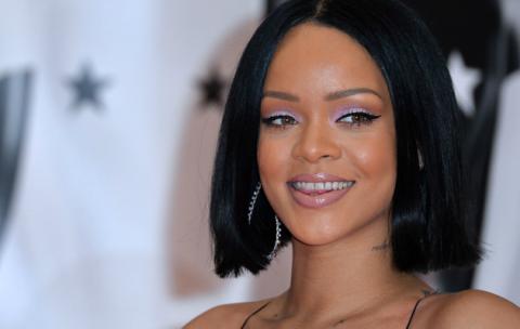 Edit Foto Ratu Elizabeth, Rihanna Dikecam Netizen