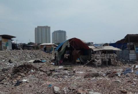 Puluhan Bangunan Semi-permanen Berdiri di Kampung Akuarium