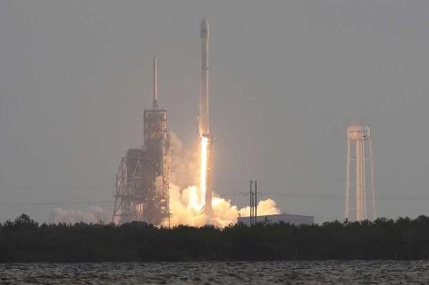 Falcon 9 Luncurkan Satelit Mata-mata Militer AS