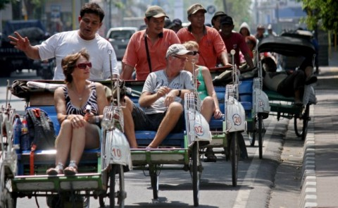 Indonesia Attracts 1.02 Million Foreign Tourists in March 2017