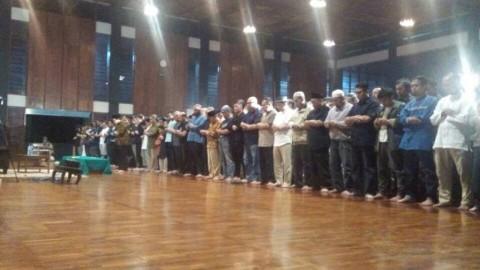 Jenazah Dosen Suryo Disalatkan di Masjid Salman ITB