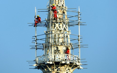 Menara Gereja Katedral Jakarta Dirawat