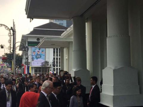 Kunjungi Museum KAA, Raja Swedia Simak Sejarah Tentang Soekarno