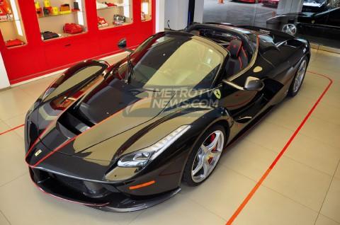 Ferrari LaFerrari Aperta Nan Eksotis