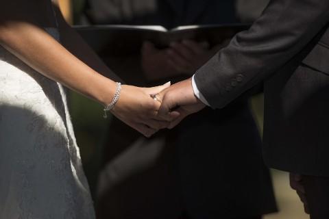 Tidak Tatap Muka, Pasangan Ini Menikah di Dunia VR