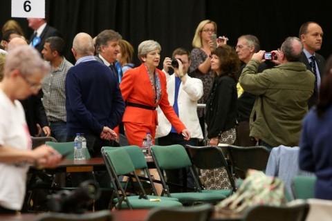 Inggris dalam Ketidakpastian Usai Konservatif Kehilangan Suara Mayoritas