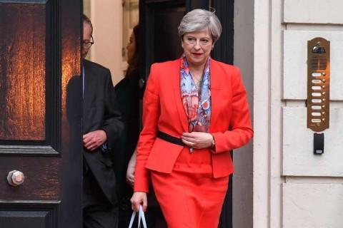 Komisioner Ekonomi Eropa Sebut PM Inggris Kalah Taruhan Politik
