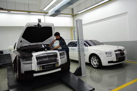 Berapa Biaya Servis Mobil Mewah Rolls-Royce