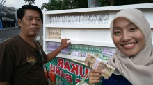 Jasa Penukaran Uang Baru di Madiun Raup Untung Puluhan Juta