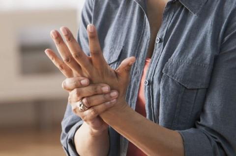 5 Tanda Anda Berpotensi Terkena Arthritis