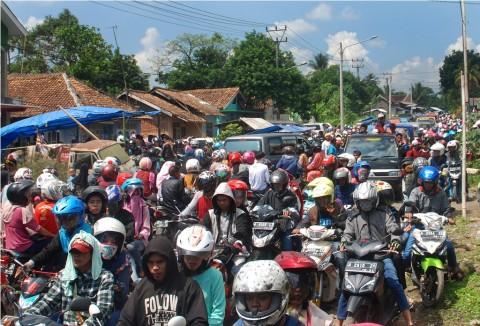 Jalur Mudik Sukabumi-Bogor Macet Total